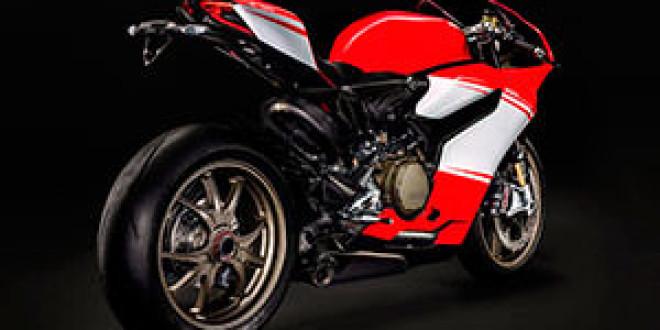 Ducati показала первые снимки 1199 Panigale Superleggera