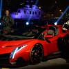 Lamborghini официально представила родстер Veneno в ОАЭ