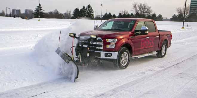 На выставке в Чикаго Ford F-150 предстал со снегоуборочной установкой