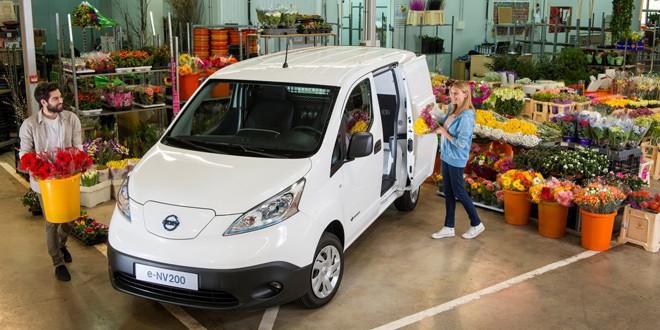 Nissan начинает продажи электрического фургона e-NV200