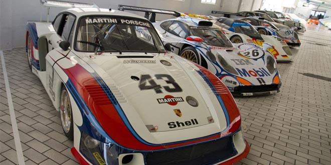 Фототур по секретному гаражу Porsche в Штутгарте