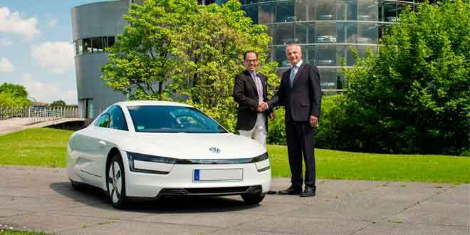Первый Volkswgaen XL1 доставили покупателю
