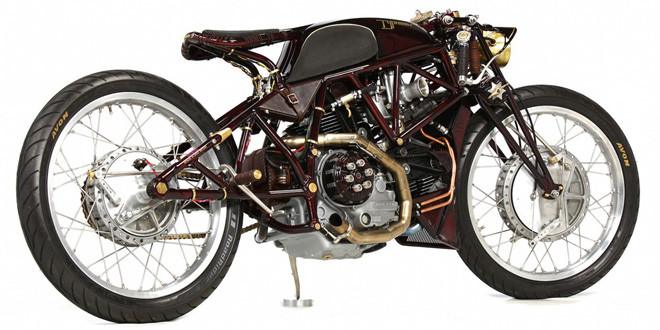 Кастом на базе Ducati 900SS