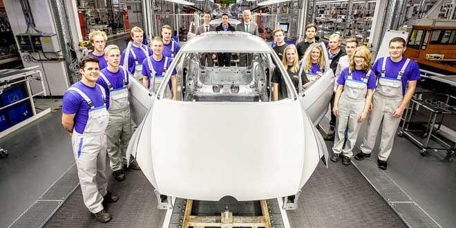 Особый VW Golf GTI от стажёров Volkswagen будет и в этом году