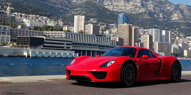 Сногсшибательный красный Porsche 918 Spyder в Монако