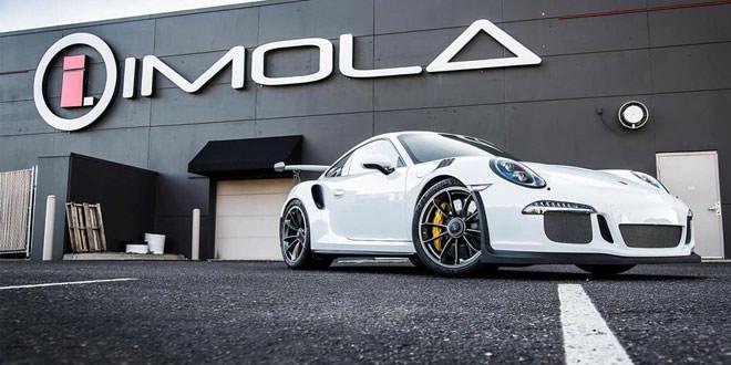 Первый Porsche 911 GT3 RS в США позирует перед камерой