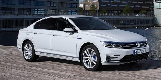 Вышла гибридная версия нового Volkswagen Passat