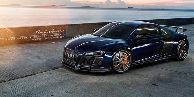 Фото дня: восточный закат с Audi R8