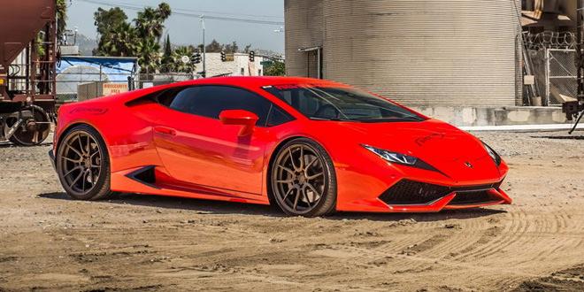 Lamborghini Huracan с креативным винилом и дисками ADV.1