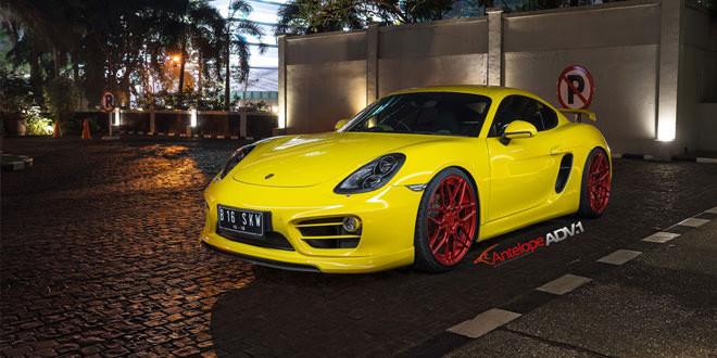 Жёлтый Porsche Cayman S примерил свежие диски ADV.1
