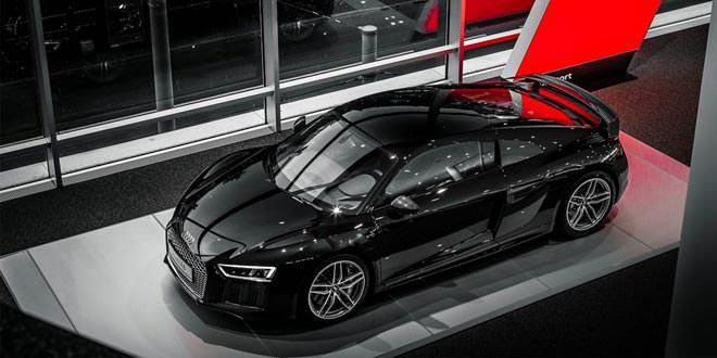 Фото дня: Audi R8 V10 Plus черного оттенка Mythos Black