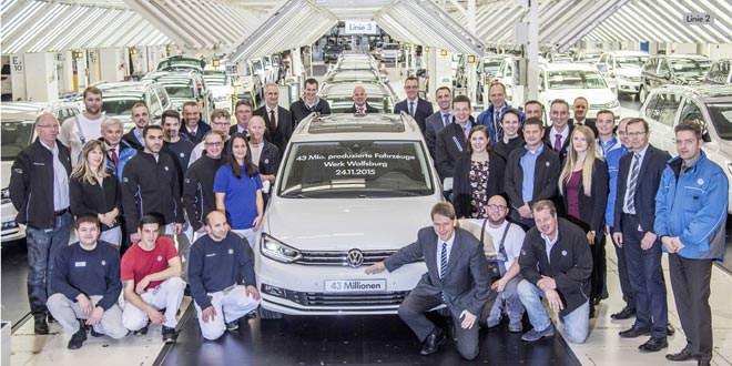 Touran стал 43-миллионным автомобилем завода Volkswagen в Вольфсбурге