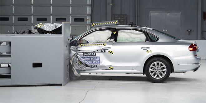Volkswagen Passat на отлично прошел краш-тест IIHS