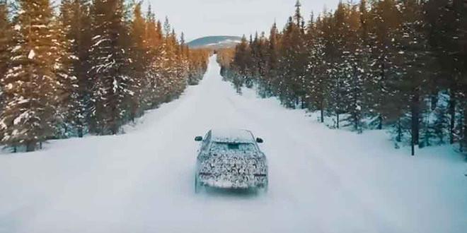 Lamborghini Urus показал свои способности на снегу