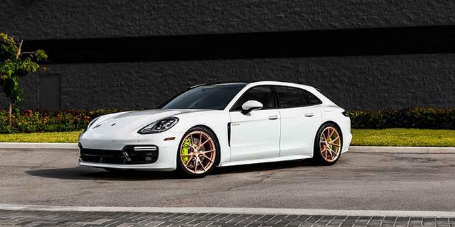Универсал Porsche Panamera Sport Turismo на дисках Vossen