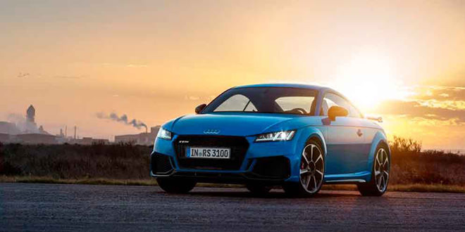 Купе и родстер Audi TT RS обновились к 2020 году