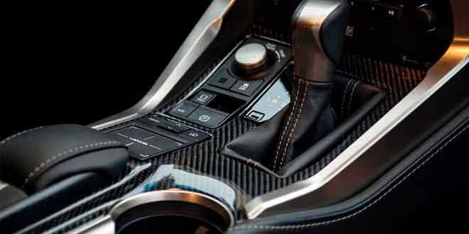 Пленка под карбон — новый тренд в области авто-тюнинга