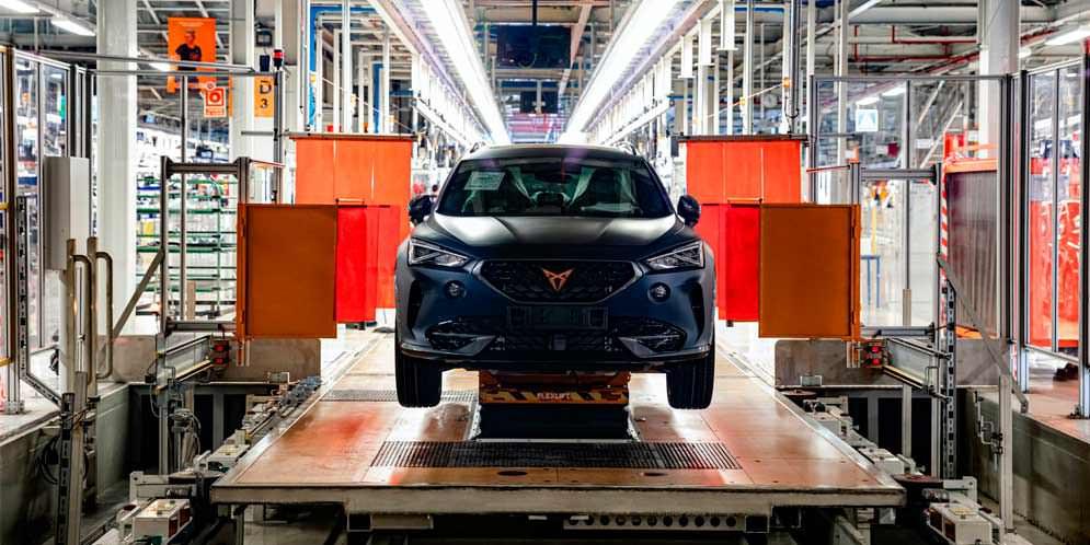 Производство Cupra Formentor начали в Испании. Известны цены