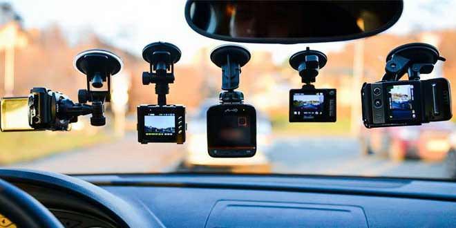 ТОП-3 актуальных и недорогих автомобильных видеорегистратора на начало 2021 года