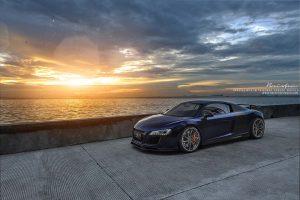 Audi R8 на закате