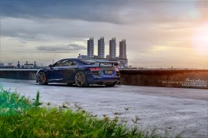 Audi R8 на закате. Кованые диски R10D Targa Series