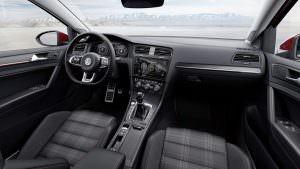 Интерьер Volkswagen Golf GTI 2017 рестайлинг