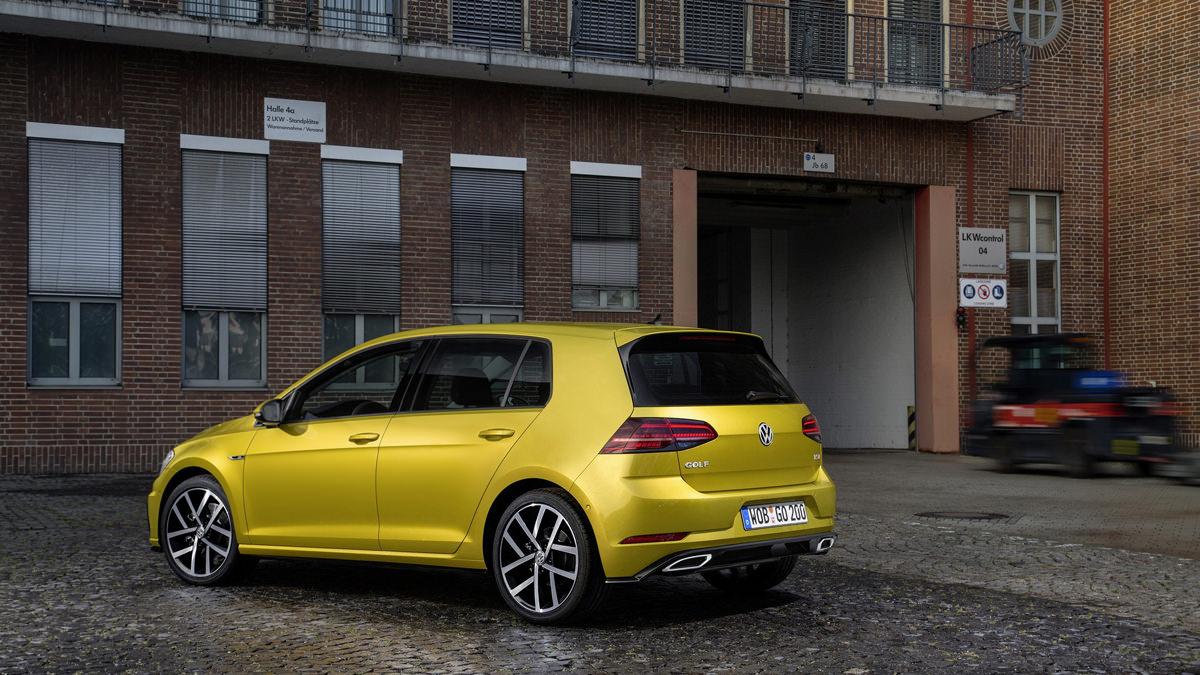 Новый Volkswagen Golf R. Рестайлинг 2017