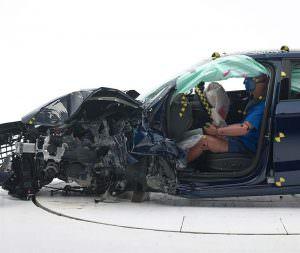 Седан Audi A3 прошел краш-тест IIHS на Top Safety Pick +
