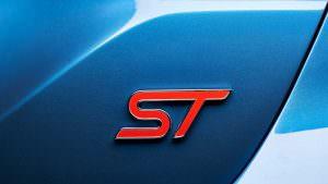 Значок ST на багажник Ford Fiesta