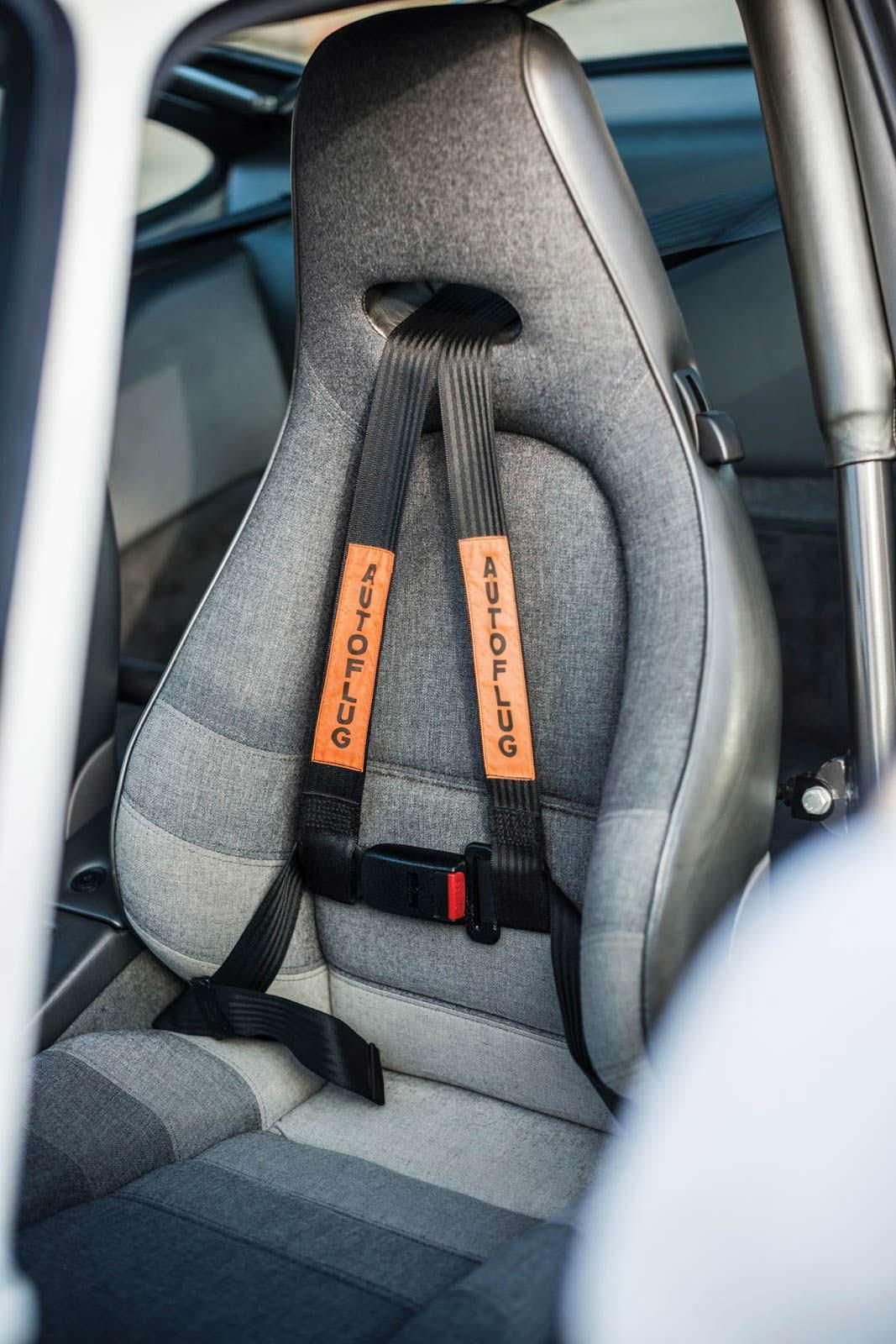 Спортивные кресла Porsche 959 Sport
