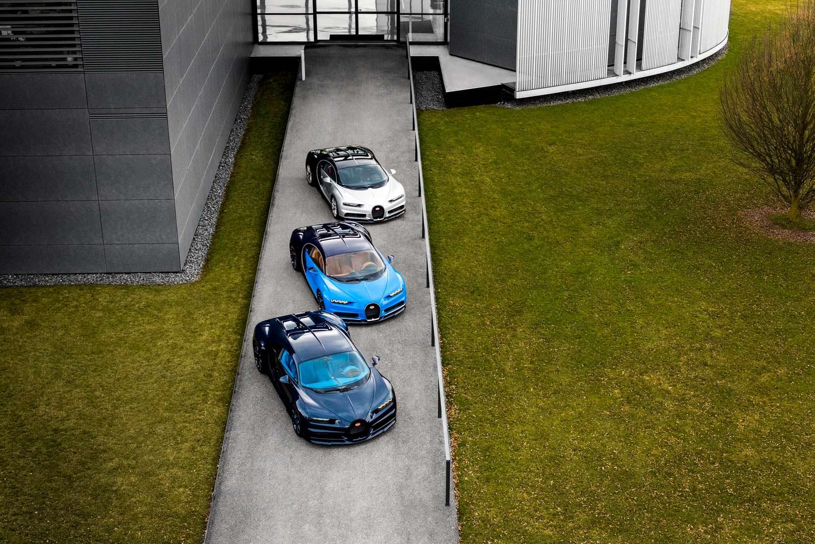 Первые три серийные Bugatti Chiron