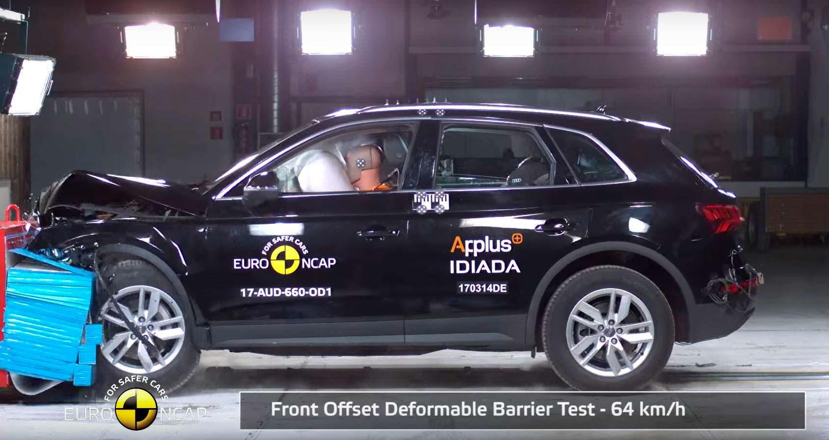 Краш-тест Audi Q5 с частичным перекрытием. Скорость 64 км/ч