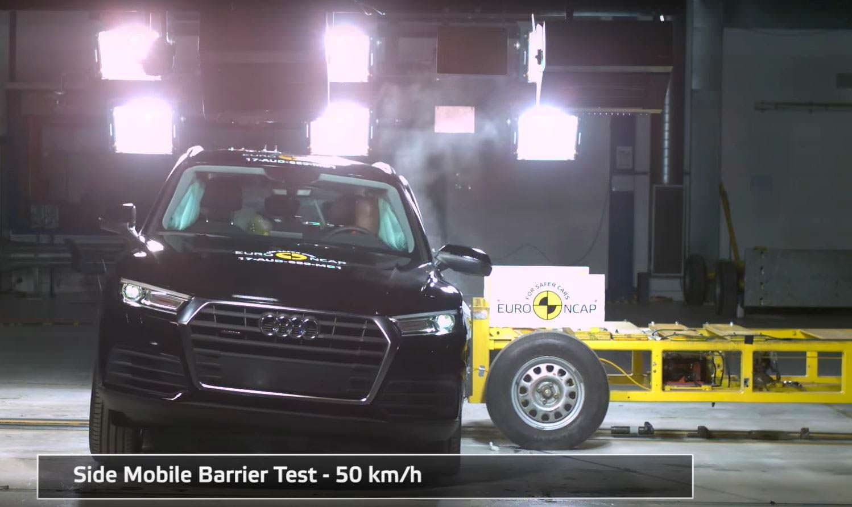 Боковой краш-тест Audi Q5 на скорости 50 км/ч