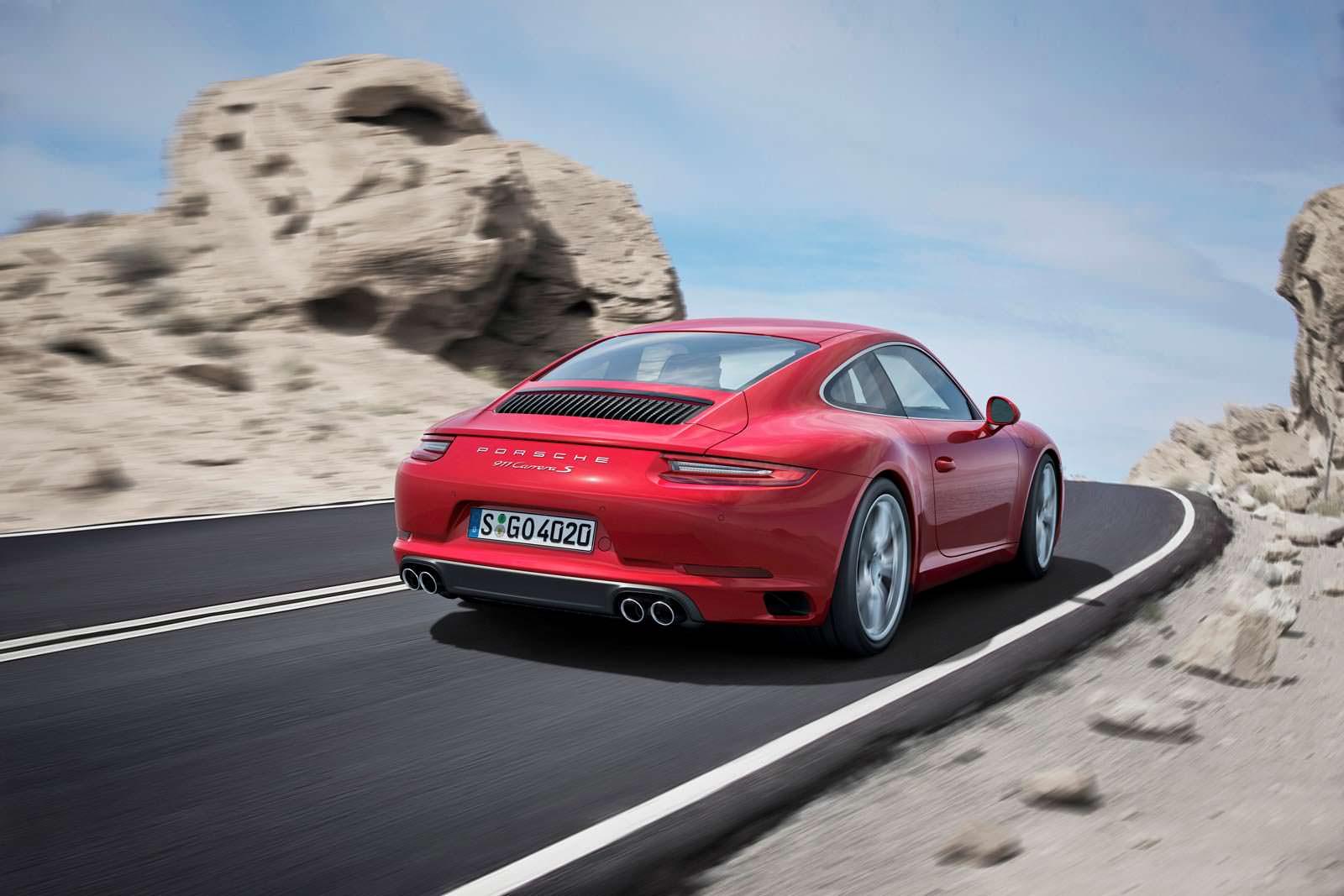 Для Порше 911 Carrera Sстал доступен спорт-пакет