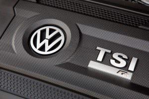 Фото | Крышка двигателя 2.0 TSI Volkswagen Golf R