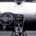 Фото | Интерьер Volkswagen Golf R 2018 года для США