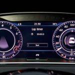 Фото | Цифровая приборная панель Volkswagen Golf R 2018 года