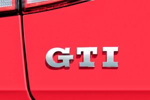 Фото | Надпись Volkswagen Golf GTI