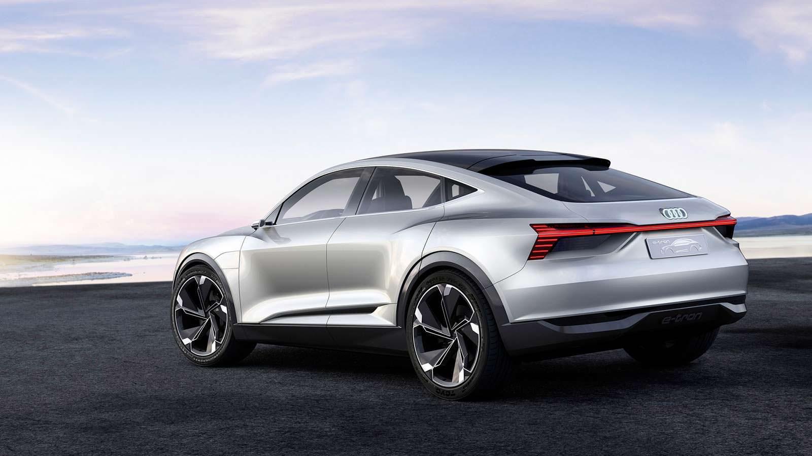 Фото   Электрический прототип Audi E-Tron Sportback Concept