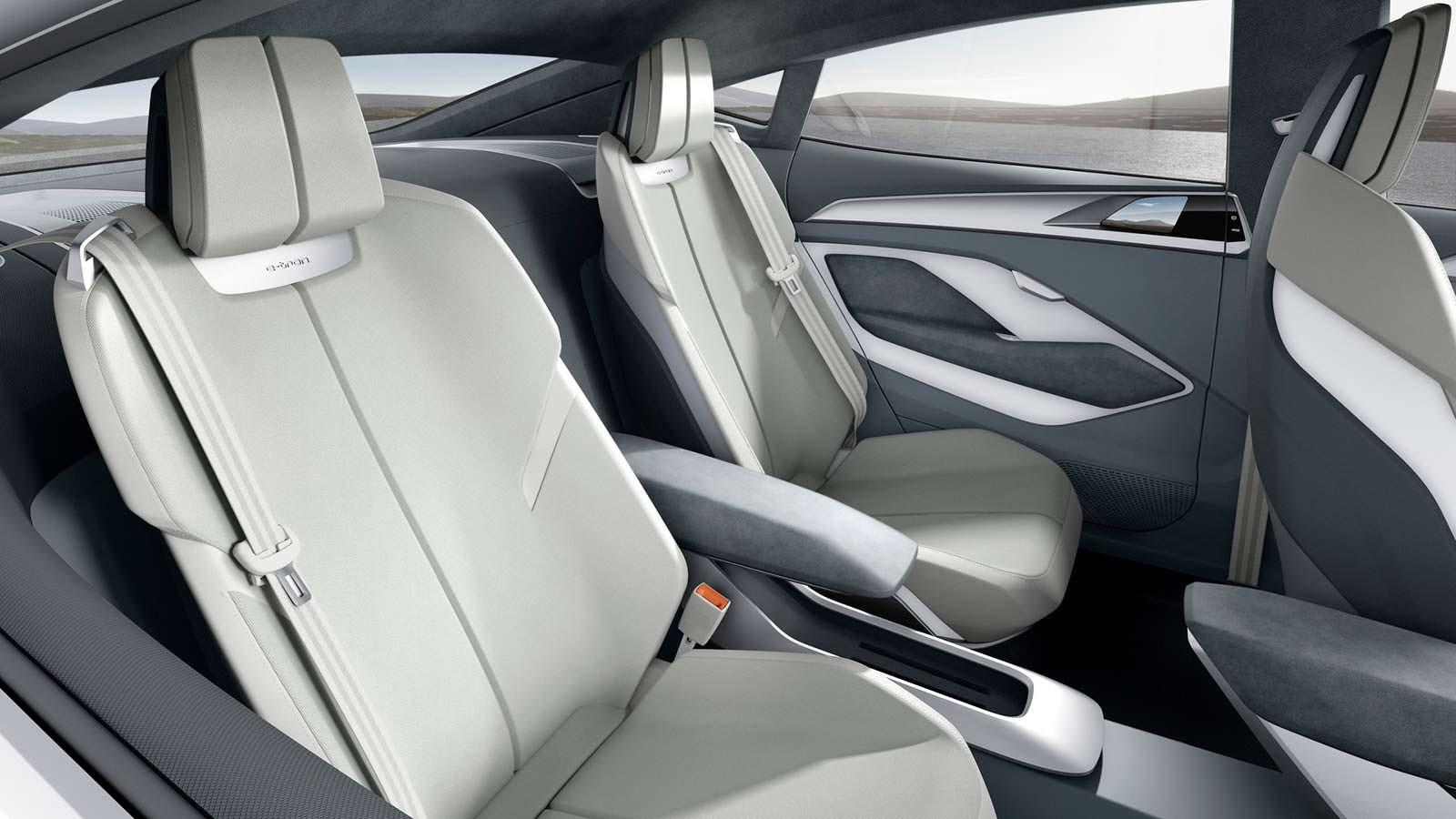 Сиденья в салоне Audi E-Tron Sportback Concept 2017