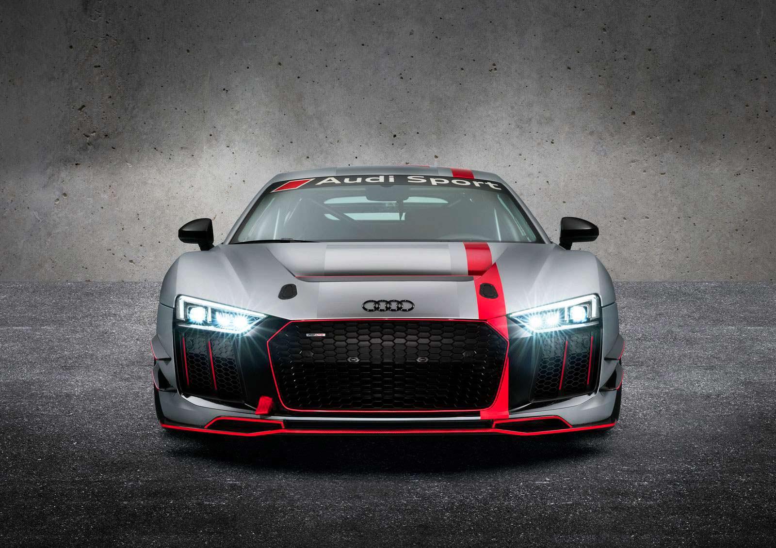 Фото   Трековый суперкар Audi R8 LMS GT4