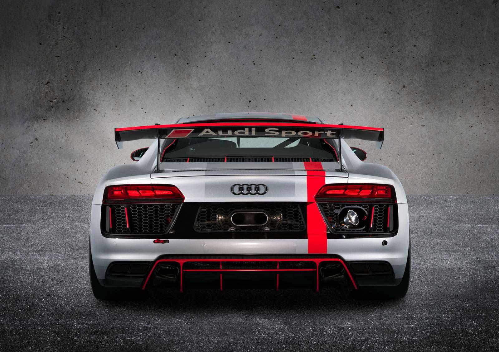 Фото   Суперкар для гонок Audi R8 LMS GT4