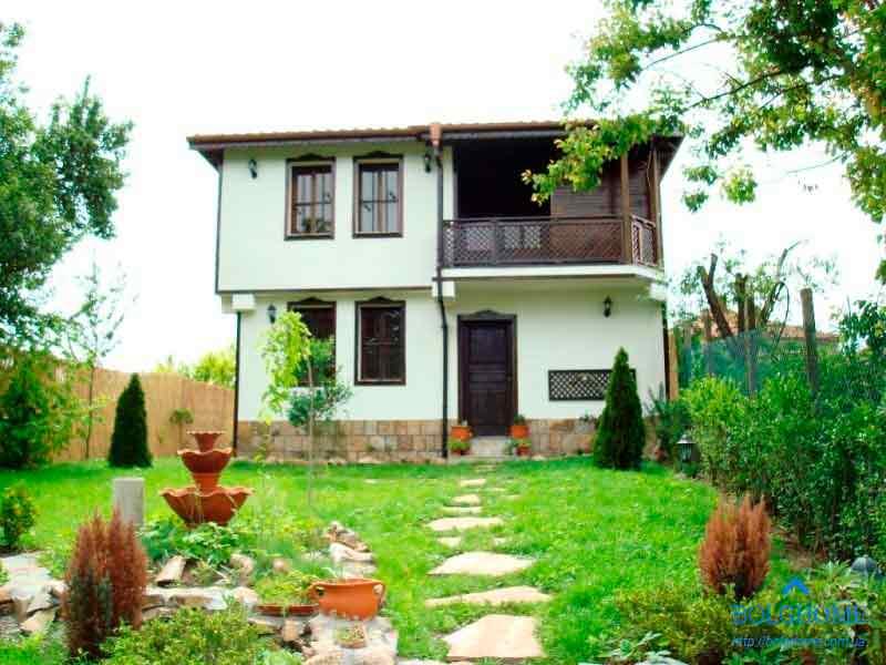 Такой дом в Болгарии сейчас можно купить в BolgHome