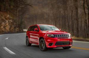Фото | Jeep Grand Cherokee Trackhawk на трассе