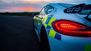 Полицейский Порше Кайман ГТ4 в Британии