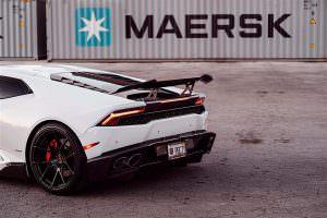 Фото   Карбоновый спойлер Lamborghini Huracan от 1016 Industries