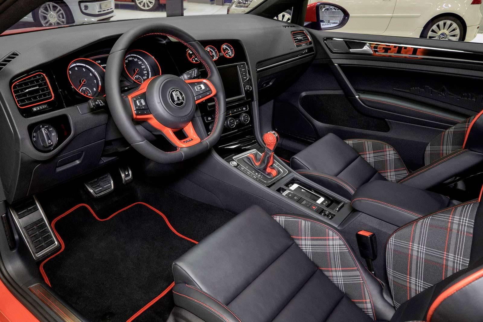 Фото салона VW Golf GTI Wolfsburg Edition 2014 года