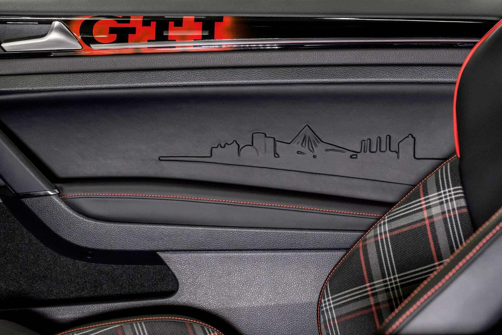 Отделка дверей VW Golf GTI Wolfsburg Edition 2014