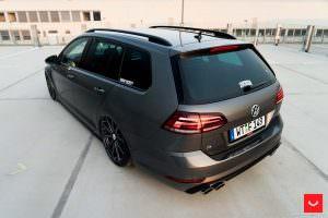 Фото | LED задние фонари VW Golf R Variant 2017