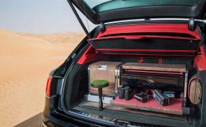 Bentley Bentayga с экипировкой для соколиной охоты